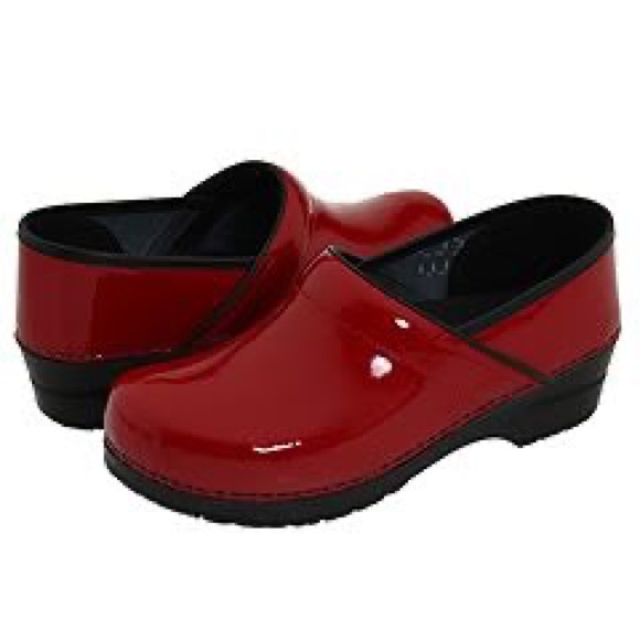 Dansko Shoes - DANSKO Clogs
